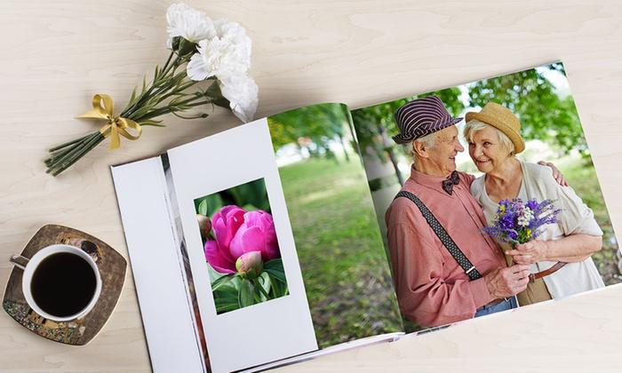 Personalisierbares Hardcover-Fotobuch Classic 30 x 30 cm mit 40, 80 oder 120 Seiten von Colorland (bis zu 82% sparen*)