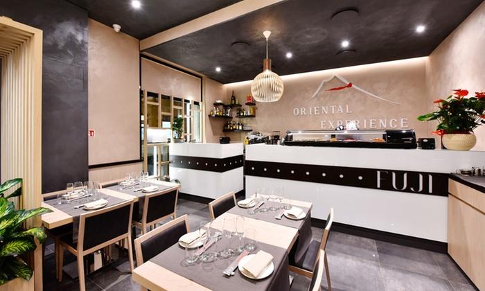 Fuji Restaurant - Sesto San Giovanni: Menu sushi Experience con calice di vino per 2 o 4 persone al Fuji Restaurant (sconto 68%)