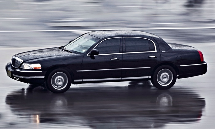 CNH Limousine - New York City: One-Way Transportation to LaGuardia, JFK, or Newark Airport in a Lincoln Town Car from CNH Limousine (Up to 66% Off)
