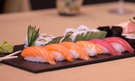 Menú japonés para 2 o 4 con entrante, 28 o 56 piezas de sushi, postre y bebida desde 24,90 € en Anthony´s Sushi Bar