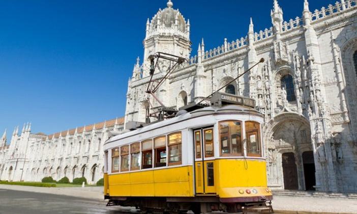 STE - Gomundo (BE) - Lisbon: ✈ Portugal, Lisbonne: 2/3 nuits à l'hôtel Expo Astoria avec petit déjeuner et vol A/R au départ de Bruxelles Charleroi