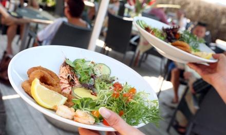Lunch en 2 services et sa mise en bouche pour 2 ou 4 personnes dès 24,99 € au restaurant Le Mas des cigales