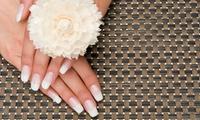 Beauté des mains et pose d'ongle en résine (avec capsule résine ou couleur) à 35 € chez Nail Venus