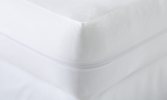 merit linens zippered bed bug and spillproof mattress protector merit linens premium zippered