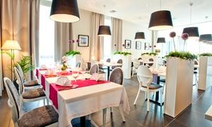 Vanilla Cafe & Restaurant: Awangardowa kuchnia polska: 2-daniowa uczta dla 2 osób za 61,99 zł i więcej opcji w Vanilla Cafe & Restaurant (do -38%)