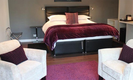 Suffolk: 1- or 2-Night Stay with Breakfast