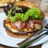 XL-Burger-Menü inkl. Getränk