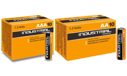 Fino a 40 batterie alcaline Duracell Industrial AA o AAA