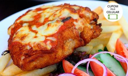 Assados e Grelhados – Shopping Vitrinni: frango à parmegiana ou bife à cavalo + bebida, com salada à vontade