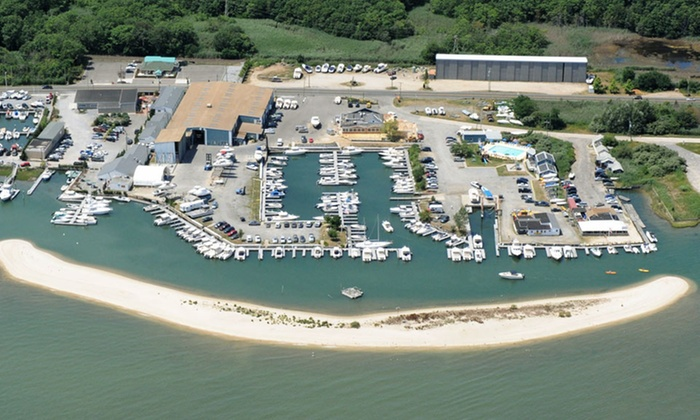 Heron Suites - Long Island, NY: 1 or 2 Nights for Two in First Mate Suite or Captain's Quarters Room with Dining Credit at Heron Suites in Southold, NY