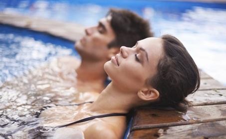 Circuito spa abierto o privado para 2 personas con zumo y bombones desde 19,90 € en Samsara Spa