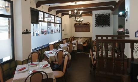 Menú con entrante, principal, postre o café y bebida para 2 o 4 personas desde 24,99 € en Restaurante Seis Peniques