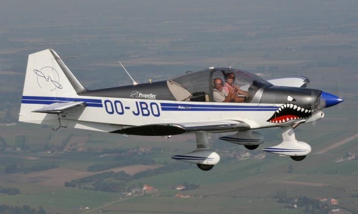Propeller - Wevelgem: Zelf vliegen of stuntvliegen in een Robin R2160i met Propeller