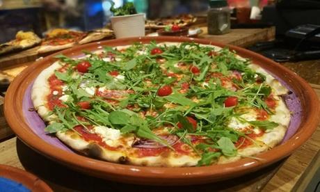2 porciones de pizza con una bebida o 2 pizzas para recoger desde 4,95 € en Crustys