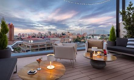 2 o 4 cócteles y aperitivos o conservas premium para 2 o 4 personas desde 9,99 € en Sky Lounge Barceló Imagine