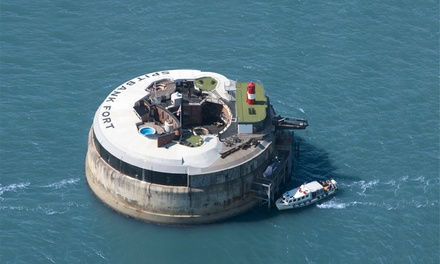 Portsmouth: Commodore Suite for Two with Full Board, Boat Transfers, Champagne and Fort Tour at Spitbank Fort