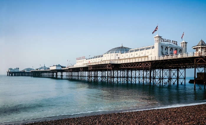 Brighton: 1 Night for Two with Breakfast; with Option for Dinner and Glass of Prosecco at The Brighton Hotel