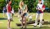 Parcours de mini-golf en famille