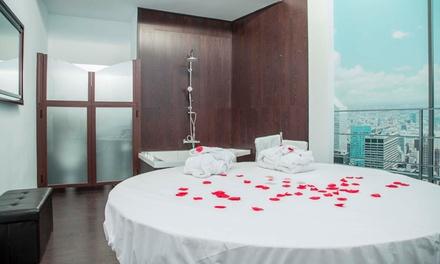 Granada: 2, 4 horas o 1 noche para 2 en habitación de lujo con cava y opción a suite con jacuzzi en Hotel 9 Secrets