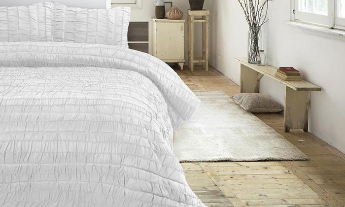 couvre lit pais matelass groupon shopping. Black Bedroom Furniture Sets. Home Design Ideas