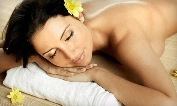 Smooth Synergy - Midtown Center: $62 for a 60-Minute Swedish Massage or a Hydrating Ultrasonic Facial at Smooth Synergy (Up to $146.30 Value)