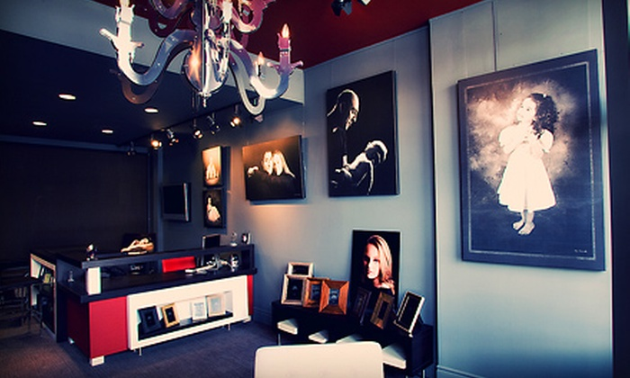 Momento Photoworks - Markham: $45 for a Two-Hour Portrait Package for Up to Five People at Momento Photoworks in Markham ($390 Value)