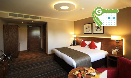 London: Double or Twin Room for Two with Breakfast and Late Check-Out at 4* Best Western Palm Hotel