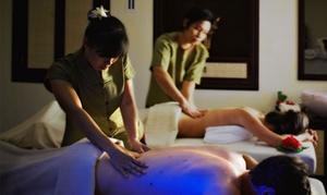 Lanna Gaia Wellness Intelligence: Uno o 3 massaggi Thai a scelta da un'ora o 100 minuti al centro Lanna Gaia Wellness Intelligence (sconto fino a 32%)