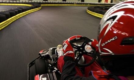 15 oder 30 Min. Kart fahren inkl. Sturmhaube, Handschuhen und Leihhelm mit Indoor Kartbahn Werther (bis zu 42% sparen*)