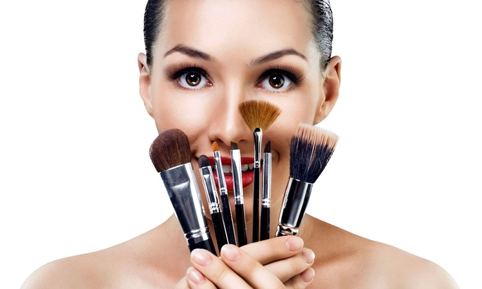 J. Gordon Designs - Lincoln Park: Mineral Makeup Lesson and Application at J. Gordon Designs for One or Two (Up to 47% Off)