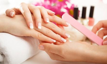 Beauté des mains avec pose vernis semi permanent ou pose de gel avec capsules dès 29,90 € à linstitut Beauty Zina