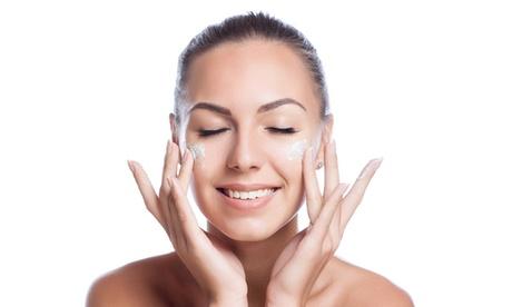Tratamiento facial a elegir en Chic Atelier Nails & Beauty (hasta 58% de descuento)