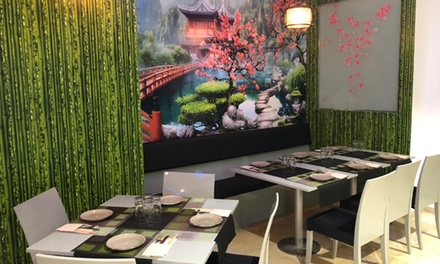 Cocina asiática con entrante, poke, dumpling, ramen, postre y botella de vino desde 24,90€ en Taberna Oriental Jade