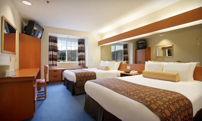 Microtel Inn & Suites - Sutherlin: $129 for a Two-Night Stay with Wine Tasting and Dining Credit at Microtel Inn & Suites in Sutherlin (Up to $265.05 Value)