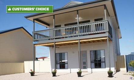 Stansbury: 3 or 4N Seaside Getaway for up to Four People with Late Checkout + Brekky at Oysta la Vista, South Australia