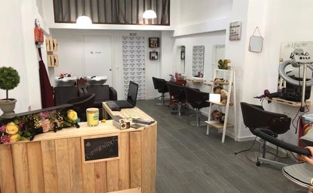Sesión de peluquería con opción a tratamiento alisador de queratina desde 19,95 € en Art & Estil 90