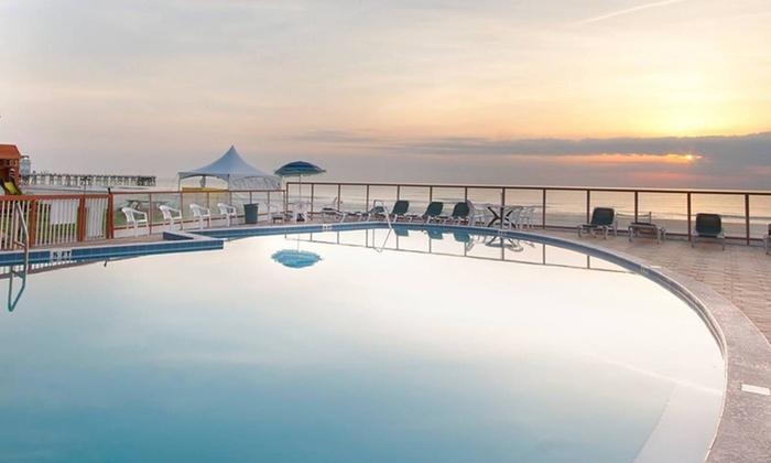 Family-Friendly Inn Overlooking Daytona Beach