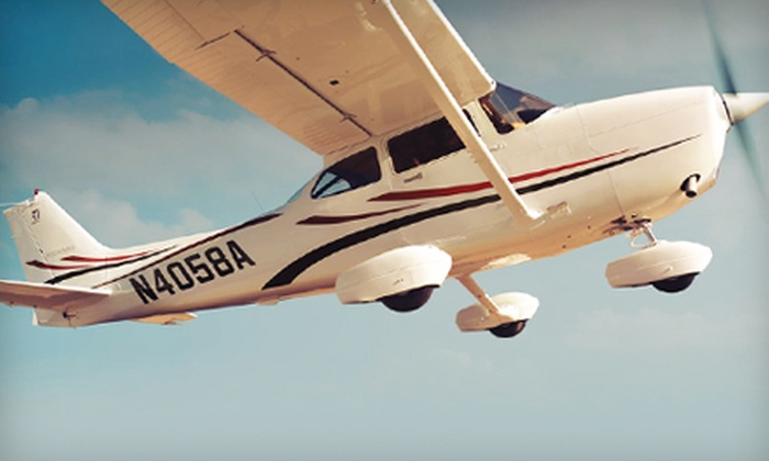 Out of the Blue Aviation - Arlington: $139 for an Introductory-Flight Experience Including One Hour of Flight Time from Out of the Blue Aviation in Arlington ($313.85 Value)