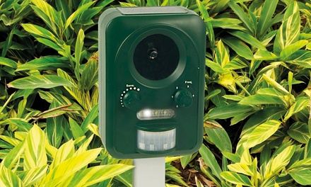 One £24.98 or Two £44.99 Solar Powered Pest Repellers
