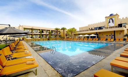 Marrakech: 1 a 9 o 14 noches para 2 adultos y 2 niños con desayuno y opción a media pensión en Adam Park 5*