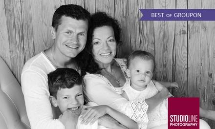 90 Min. Family/Kids-Fotoshooting + Make-up u. Bildern als Datei u. Abzug bei STUDIOLINE PHOTOGRAPHY (bis zu 73% sparen*)