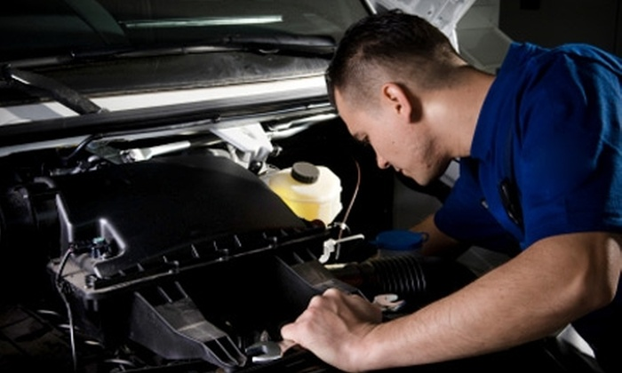 Niagara Motors - Virgil: $20 for Oil Change and Service at Niagara Motors ($45.14 Value)