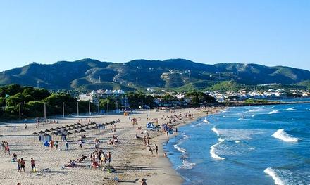 Castellón: 2,3,4, 5,7 o 14 noches para hasta 4 personas en apartamento a 900 metros de la playa en Apartamentos 3000