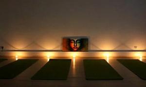 Centre Yoga et Sens: 2 séances d'1h15 de yoga, avec huiles essentielles à disposition, à 24,99 € au Centre Yoga et Sens