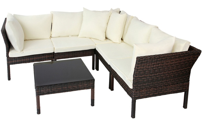 canap d 39 angle en poly rotin avec table basse groupon. Black Bedroom Furniture Sets. Home Design Ideas
