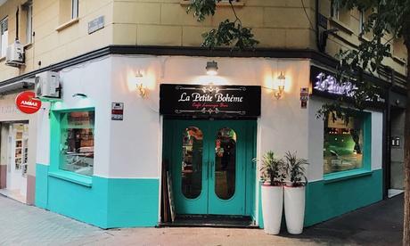 Tapeo con opción Premium para 2 con raciones, tostas, bebida y postre desde 16,95 € en La Petite Boheme