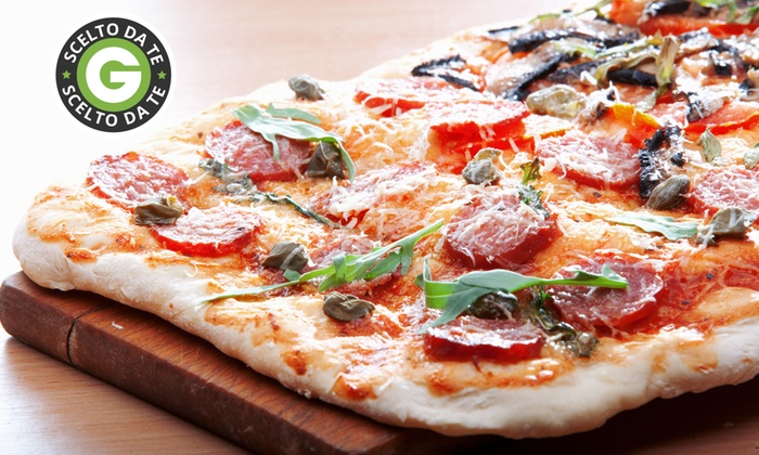 IL CAVALLINO - Vico Equense (NA): Menu con pizza al metro all you can eat e bottiglia di vino o birra da 16 €