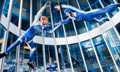 2 of 3 sessies indoor skydiven in de windtunnel bij Indoor Skydive Roosendaal