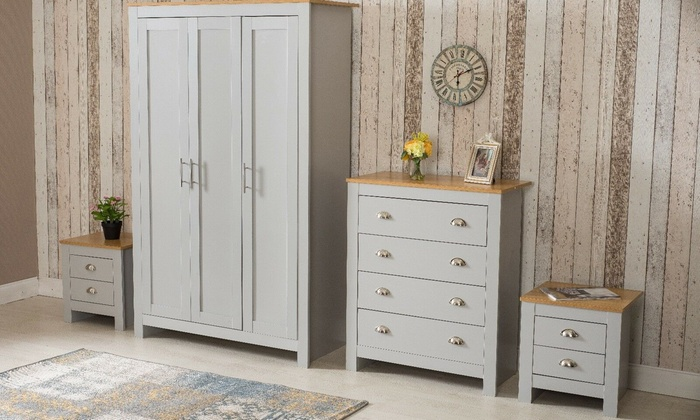 Country-Style Bedroom Furniture
