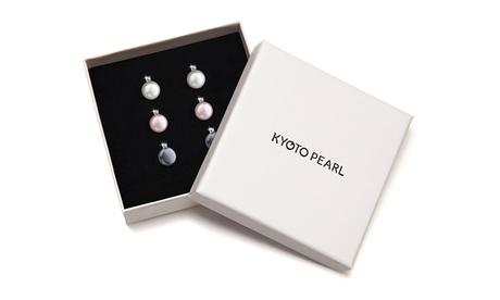 1 o 3 pares de pendientes con cristales de Swarovski® y perlas de agua dulce disponibles en 3 colores